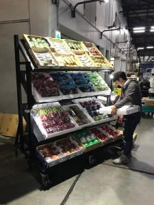 東京大田市場様に特注のフルーツ陳列棚を納入