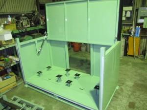 大丸製作所 短納期 専用パレット 自動車部品用密閉容器 防じん加工、ふた付き